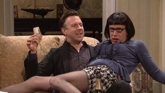 Jason Sudeikis Returns To 'SNL' To Introduce Everybody To His Sensual New Girlfriend