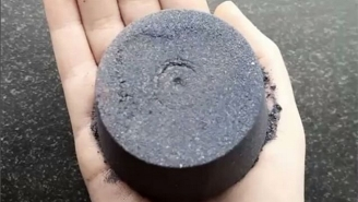 Everyone's Mesmerized By The Black Bath Bomb That Will Turn Your Water Into A Moonless Nightmare