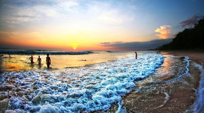 costa-beach-feat-uproxx
