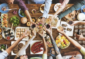 Americans Say Family Dinners Are Something Worth Looking Forward To