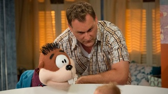 'Fuller House' Season 2 Gives Uncle Joey His Own Wife And Kids To Creep Out With Mr. Woodchuck