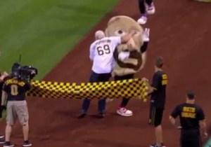 Watch Scott Steiner Attack A Pierogi Mascot At 'Legends Of Wrestling' Night In Pittsburgh