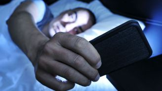 Using Your Phone At Bedtime Might Temporarily Blind You