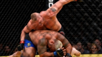 Brock Lesnar Returns To The UFC To Slam His Ham-Handed Fists Into Mark Hunt At UFC 200