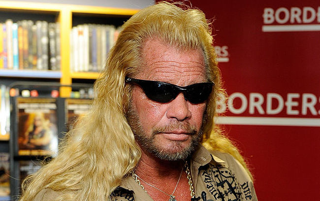 """Duane Chapman Signs Copies Of """"When Mercy Is Shown, Mercy Is Given"""""""