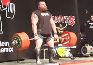 Strongman Eddie Hall Nearly Dies While Breaking The World Deadlift Record