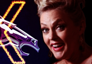 UPROXX 20: Elaine Hendrix Is No Longer A Broncos Fan Now That Peyton Manning Has Retired