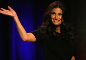 'Beaches' Is Getting The Lifetime Treatment Starring Idina Menzel