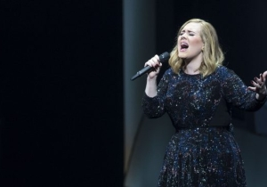 Adele Is The Leading Name For The 2017 Super Bowl Halftime Show