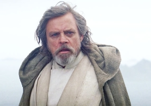 Mark Hamill Urges Fans To 'Wait For 8' While Revealing The 'Star Wars Episode VIII' Wrap Date