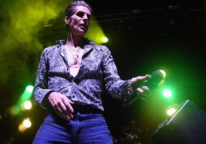 "EDM Makes Lollapalooza Founder Perry Farrell ""Want To Vomit"""