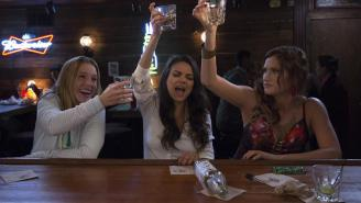 "How Accurate is this ""Bad Moms"" Trailer?"