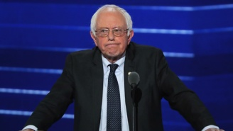 Bernie Sanders Urges The US Government To Kill The AT&T/Time Warner Merger
