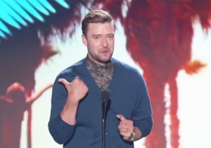 Justin Timberlake Delivers An Inspirational Acceptance Speech At The Teen Choice Awards