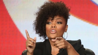 "'Community""s Yvette Nicole Brown Drops The Mic On Racist Who Called FLOTUS A 'Ghetto Monkey'"