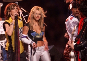 Britney Spears Says She'd Be Open To Performing At The Super Bowl And Fans Can't Handle It