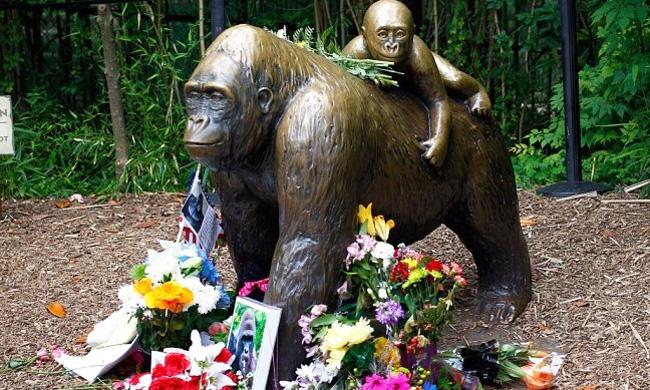 harambe-statue