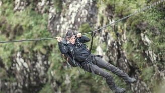 What's On Tonight: Bear Grylls Shows Courteney Cox A Good Time On 'Running Wild'