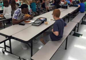 An FSU Player Made An Autistic Boy's Mom Cry Simply By Eating Lunch With Him