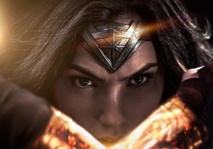 Someone caught Gal Gadot's reaction to the 'Wonder Woman' trailer on film at SDCC