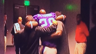 Adrian Peterson Had To Be Carried Off The Field After Injuring His Knee