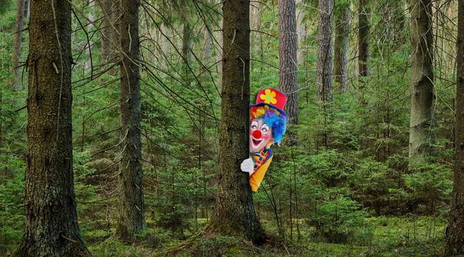 clown-in-woods