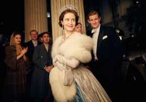 'Doctor Who' alum Matt Smith is conflicted about supporting his wife and queen in first trailer for 'The Crown'
