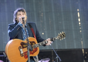 In Order to Understand 'Schmilco,' Let's Do An Extremely Deep Dive Into Wilco's Career