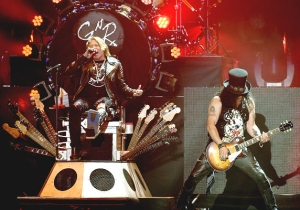 Izzy Stradlin Reportedly Bailed On A Guns 'N' Roses Reunion Gig At The Very Last Minute In 2017