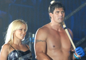 Jose Canseco Is Officially Becoming A Pro Wrestler For Some Reason