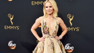 Kristen Bell Reveals The DIY 'Boob Lift' Hack That Helped Her Get Into Her Emmy's Dress