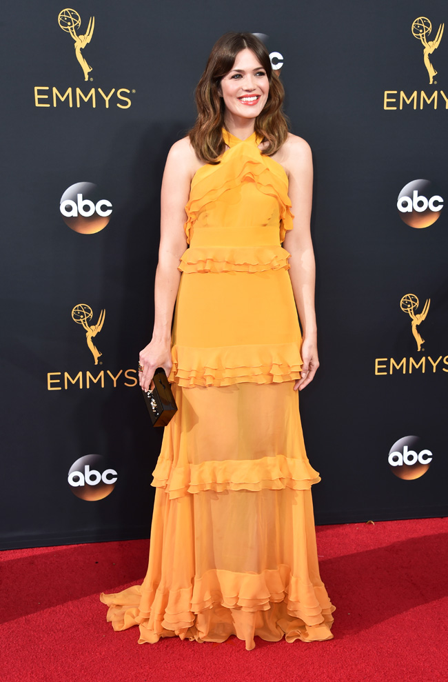 mandy-moore-emmys-2016