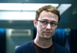 Review: Oliver Stone's 'Snowden' is a return to form for Hollywood's master of agit-prop
