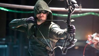 Let's all double-dare Stephen Amell to go to Starbucks in his 'Arrow' costume!
