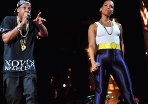 Alicia Keys Brought Out Jay Z And Flipped Donald Trump The Bird At Her Times Square Concert
