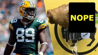 A Packers Player Lived Every Chicken Wing Eater's Nightmare With This Horrifying Discovery