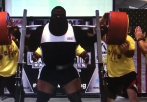 This Large Man Squatting More Than 1,000 Pounds Will Make You Appreciate Your Knees More