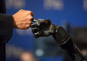 A Paralyzed Man's Sense Of Touch Is Restored Thanks To A New Robot Arm