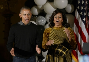 Barack And Michelle Obama Break It Down To 'Thriller' For The White House Halloween Bash