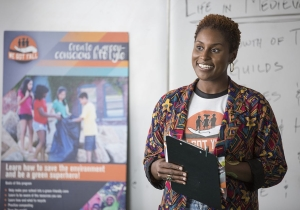 Review: In promising new HBO comedy 'Insecure,' Issa Rae finds her voice
