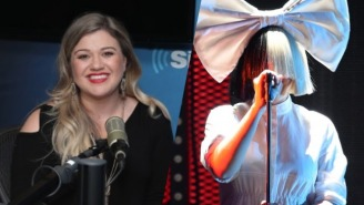 Kelly Clarkson Dons An Iconic Wig To Expertly Cover Sia's 'Chandelier