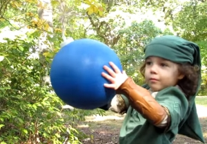 'The Legend Of Zelda' Comes To Life With A Dad And His Daughter Trick-Or-Treating