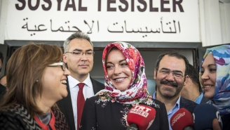 Humanitarian Lindsay Lohan Will Supply Energy Drinks To Syrian Refugees