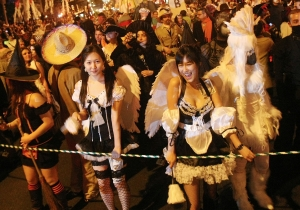 Your Guide To The Best Halloween Costume Runs, Pub Crawls, and Parades Across the Country