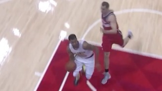Thabo Sefolosha Threw Down This Impressive Up-And-Under Dunk With One Hand