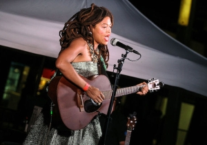 Southern Folk Hero Valerie June Is Kicking Off 2017 With A New Record Full Of Memphis Soul