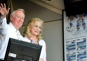 Vin Scully Ended His Career By Wishing Baseball Fans 'A Very Pleasant Good Afternoon' One Last Time