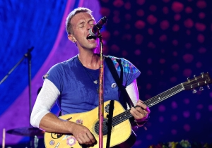 Coldplay's Chris Martin Paid Tribute To Leonard Cohen With A 'Suzanne' Cover
