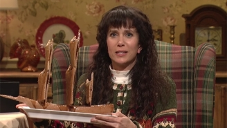 Kristen Wiig Discusses The Best Thanksgiving Food In A Weird 'SNL' Sketch That Shouldn't Have Been Cut