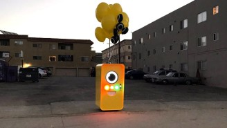 Snapchat's Spectacles Are Only For Sale From A Minion-Like Vending Machine (Or eBay)